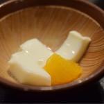 鈴新 - 牛乳寒天。甘さは、控え目。