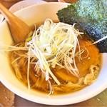 64103433 - アゴだしらーめん(醤油)。美味しいスープですね〜