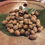 64105245 - 自然薯の実むかごの塩茹で