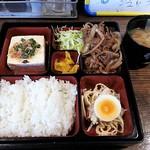 夜食の店 友 - Aランチ肉料理 650円