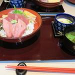 64105604 - 本マグロ丼・大盛 税別¥1200