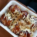 たこ吉 - 料理写真:チーズたこ 500円