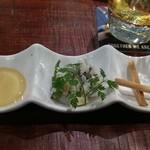 府中Dining&Bar レストハウス - ゴルゴンゾーラチーズ。はちみつは好みで。