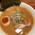 大澤麺工房 一葵 - こってり、辛味のあるベジポタ!