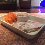 ALEGRIA TWO - タパス三種盛り(人参サラダ、カニ風味サラダ、鶏スモーク)