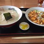 台湾料理福満楼 - 豚骨ラーメンと麻婆飯セット(¥650)