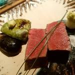 64112933 - 和牛シャトーブリアン 山葵塩またはポン酢 アボカド 小茄子炭火照り焼き