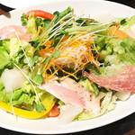 64116238 - 前菜はサラダに限るよね!d(^_^o)