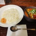 64119350 - 鶏もも肉とキャベツのサラサラチキンカレー\900(17-03)