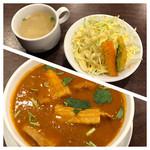 ザトラ - 上 ネパールセットのスープとサラダ  下 豚バラカレー