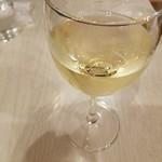 64121159 - グラスワイン 白