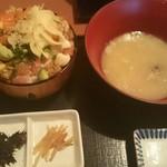上野 寄せ家 - ビックリ海鮮丼