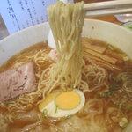 大勝軒 - 麺は本店と同じ「草村商店」の中細ちぢれ麺
