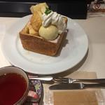 CAFE&BAKERY MIYABI - 紅茶とセット