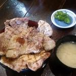 食事処 とんでん龍 - こだわりの豚丼(税込900円)