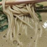 キッチンステージ - 低加水の麺と春菊