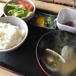 北のランプ亭 - 定食のセットのご飯とか