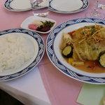 国登録有形文化財 モダン亭太陽軒 - ご飯と漬物と共に