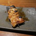 やきとん ざぶ - お任せ 串焼き6本盛合せ:ねぎレバ、特上タン、ハツねぎ、博多青葱ロール巻き、テッポウ、ハラミ5