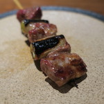 やきとん ざぶ - お任せ 串焼き6本盛合せ:ねぎレバ、特上タン、ハツねぎ、博多青葱ロール巻き、テッポウ、ハラミ6