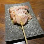 やきとん ざぶ - 餅ベーコン巻き パルミジャーノ・チーズ1