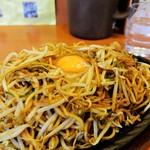 想夫恋 - 料理写真:焼きそば大盛り+生玉子