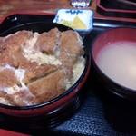 丸屋 そば屋 - カツ丼 (730円)