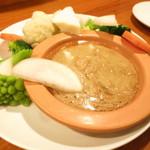 神楽坂しゅうご - 自家菜園の温野菜 大豆のバーニャカウダ仕立て