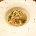 神楽坂しゅうご - 岩手県産牡蠣とムール貝 カリフラワーのマリネ 林檎のソース