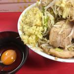 64153194 - 小ブタラーメン+生卵+生姜 ¥790+50+50