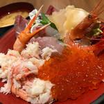 64161898 - カニとイクラと地魚丼