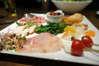ザ キッチン サルヴァトーレ クオモ 京都 - イタリア風おばんざいと前菜の盛り合わせ