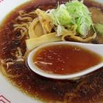 キッチントント - スープは、The旭川ラーメン風