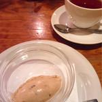 オステリア ボッカーノ - メープルナッツのジェラート&紅茶♡