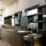 一心庵 - 店内から厨房。