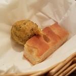 リストランテ ハナヅカ - 揚げたパンは「ゼッポリーニ」でした