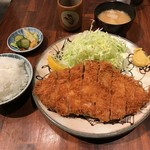 64170557 - 巨大なリブロースカツ定食1680円也。