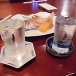 割烹お食事 吉田屋 - 「寒梅」と「雪中梅」(グラス一合各850円)