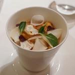 Le Temps Perdu - 海鮮ロワイヤル(茶碗蒸しにうに、オマール、ホタテとジュレを載せて)