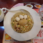 バーミヤン - 料理写真:アイルーチャーハン ¥699+税 スープバー付き