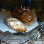 樹良 - 「チーズ&ゴマのソフトパン」を買いました