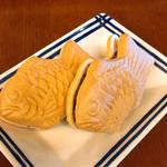 ナニワヤ・カフェ - 鯛焼き最中 (鯛焼きより少し小さめサイズ)
