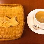 ナニワヤ・カフェ - 鯛焼きセット ¥600