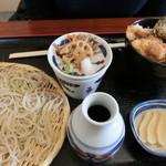 64175767 - 鶏天丼とお蕎麦のセット