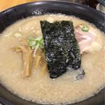 麺山 - 料理写真:味玉豚骨醤油ラーメン¥840