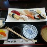 やすけ鮨 - にぎり定食