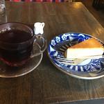 すみだ珈琲 - 定番チーズケーキとすみだブレンドで900円