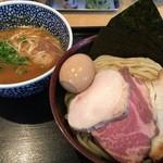 麺屋一燈 - 特製濃厚魚介つけ麺@1,080円+中盛@50円。「つけ汁」「麺」「トッピング」とも非の打ち所がなくとても美味しくいただきました。 さすが日本を代表するつけ麵ですね。