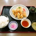 道の駅 原尻の滝 レストラン白滝 - ごはん大盛りは+100円