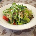 ベルン - 料理写真:ランチのサラダ